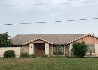 Foreclosed Home en SE ELSTON ST, Port Saint Lucie, FL - 34952