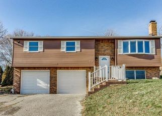 Foreclosed Home en PARKWOOD CIR, Canonsburg, PA - 15317