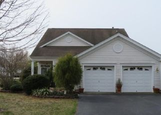 Foreclosed Home in GOLDEN SEASONS DR, Lakewood, NJ - 08701