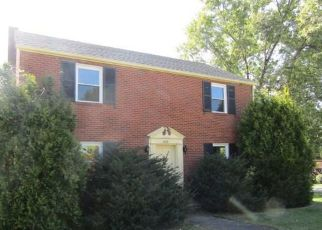 Foreclosed Home en DERRICK AVE, Uniontown, PA - 15401