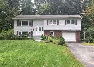 Foreclosed Home en BLAUVELT RD, Nanuet, NY - 10954