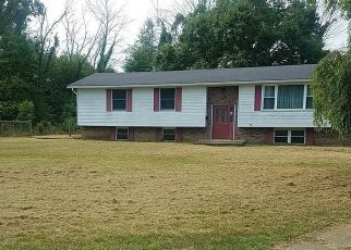 Foreclosed Home en RUTHANN DR, Berwick, PA - 18603