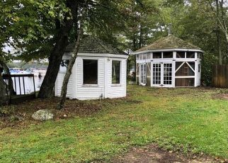 Foreclosed Home en N MAIN ST, East Hampton, CT - 06424