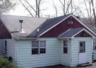 Foreclosed Home en TIOGA LN, Mohegan Lake, NY - 10547