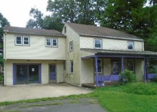 Foreclosed Home in SMITHFIELD AVE, Meriden, CT - 06451