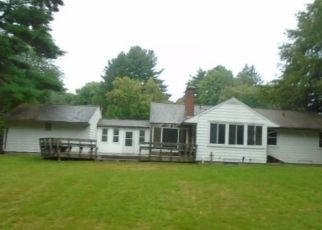 Foreclosed Home en TUNXIS AVE, Bloomfield, CT - 06002