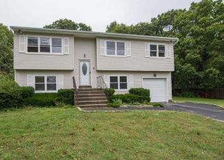Foreclosed Home en EDITH CT, Port Jefferson Station, NY - 11776