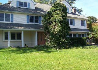 Foreclosed Home en ORBIT DR, Stony Brook, NY - 11790