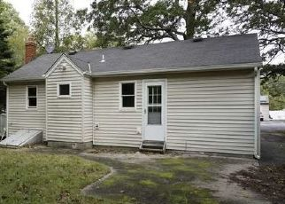 Foreclosed Home en NORTHERN BLVD, Shirley, NY - 11967