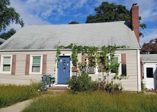 Foreclosed Home en 11TH AVE, Huntington Station, NY - 11746