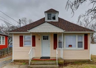 Foreclosed Home in CHURCH ST, Central Islip, NY - 11722