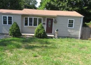 Foreclosed Home in SPUR DR N, Bay Shore, NY - 11706