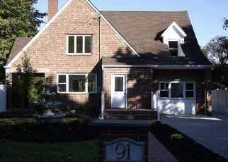 Foreclosed Home in FISCHER AVE, Islip Terrace, NY - 11752