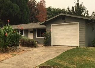 Foreclosed Home in SW HEATHER DR, Grants Pass, OR - 97526