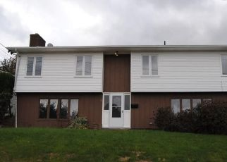 Foreclosed Home in MOTT ST, Providence, RI - 02909