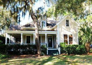 Foreclosed Home en COOSAW CLUB DR, Ladys Island, SC - 29907