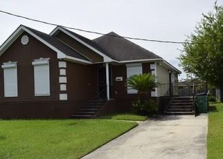 Foreclosed Home in ESTALOTE AVE, Harvey, LA - 70058