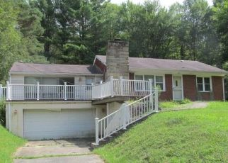 Foreclosed Home en E BISSELL AVE, Oil City, PA - 16301