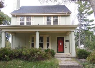 Foreclosed Home in SHERIDAN ST, Danville, IL - 61832
