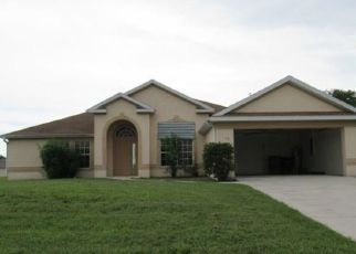 Foreclosed Home en NE 7TH PL, Cape Coral, FL - 33909