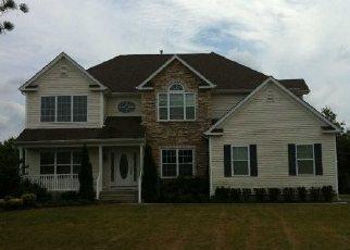 Foreclosed Home en AUDOBON ST, Medford, NY - 11763