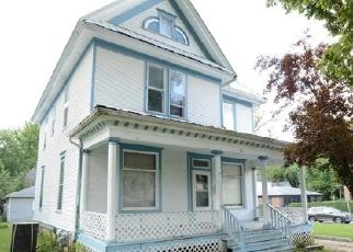 Foreclosed Home en W DECATUR ST, Decatur, IL - 62522