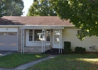 Foreclosed Home in SW 2ND ST, Richmond, IN - 47374