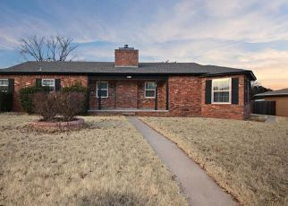 Foreclosed Home in W C AVE, Elk City, OK - 73644