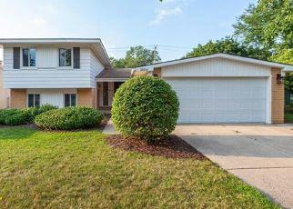 Foreclosed Home en GRANDON ST, Livonia, MI - 48150