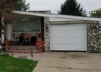 Foreclosed Home en SEAVITT DR, Allen Park, MI - 48101