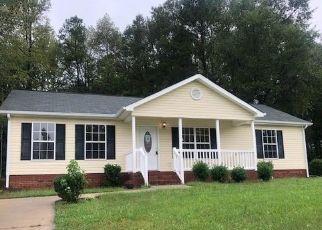 Foreclosed Home en E PARK DR, Lancaster, SC - 29720