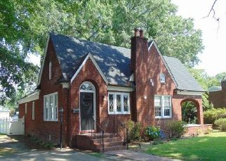 Foreclosed Home in ROANOKE AVE, Roanoke Rapids, NC - 27870