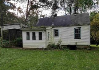 Foreclosed Home in MAGNOLIA RD, South Bend, IN - 46614
