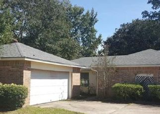 Foreclosed Home in WESTMINSTER DR, Slidell, LA - 70460