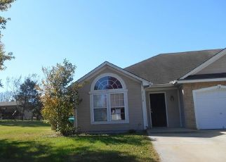 Foreclosed Home en S CLAIRMONT ST, Peculiar, MO - 64078