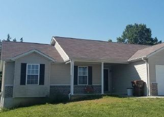 Foreclosed Home en ROCKPORT DR, Troy, MO - 63379