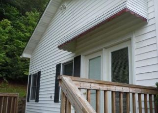 Foreclosed Home in CATHEYS CREEK CHURCH RD, Brevard, NC - 28712