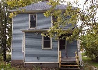 Foreclosed Home en E DEWEY ST, Platteville, WI - 53818