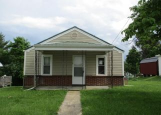 Foreclosed Home en WOLFE AVE, Marion, VA - 24354