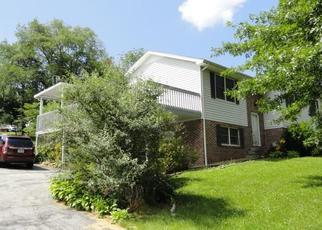 Foreclosed Home en VIRGINIA AVE, Marion, VA - 24354