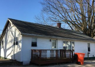 Foreclosed Home in S MORELAND ST, Vandalia, IL - 62471