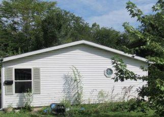 Foreclosed Home in E DODGE ST, Farmer City, IL - 61842