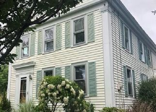 Foreclosed Home en ROPE FERRY RD, Waterford, CT - 06385