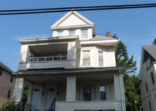 Foreclosed Home en LENOX ST, Hartford, CT - 06112