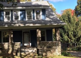 Foreclosed Home in DALE AVE, Wolcott, CT - 06716