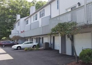 Foreclosed Home in WOLF HILL RD, Wolcott, CT - 06716