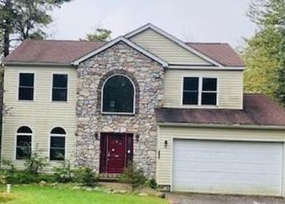 Foreclosed Home en FAIRWAY DR, Tobyhanna, PA - 18466