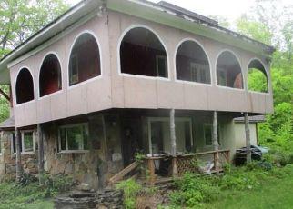 Foreclosed Home en PLAINS RD, Haddam, CT - 06438