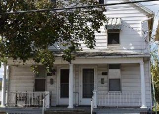 Foreclosed Home en N MAIN ST, Mercersburg, PA - 17236