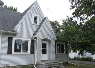 Foreclosed Home en LAKE ST, Menasha, WI - 54952